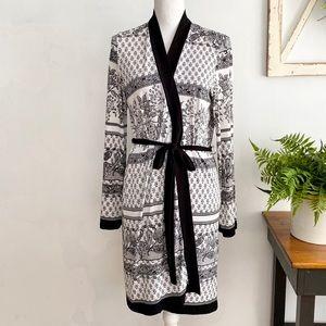 Linea Donatella Black White Wrap Robe SZ S / M